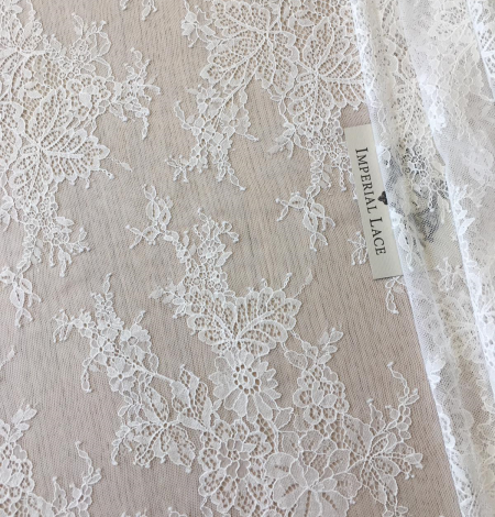 Ivory lace fabric. Photo 6