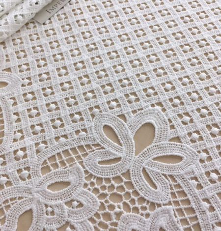 Ivory guipure lace fabric. Photo 2