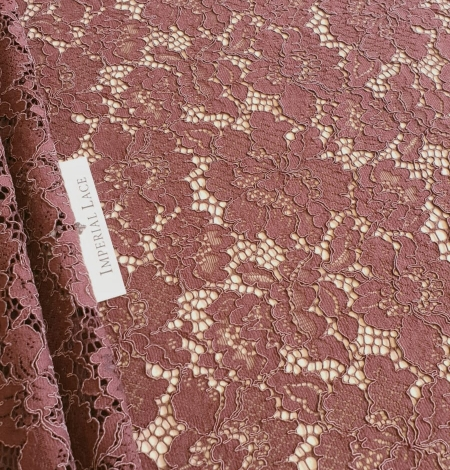 Reddish brown guipure lace fabric. Photo 1
