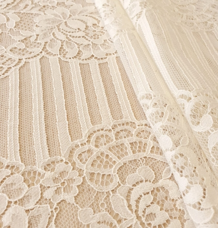 Ecru 100% polyester floral and stripes guipure lace fabric. Photo 2