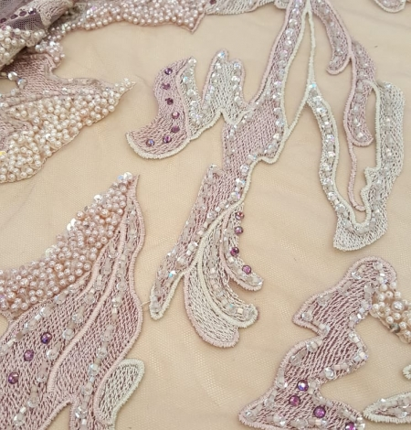 Old rose beaded lace fabric. Photo 4