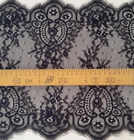 Black Lace Trim. Photo 4