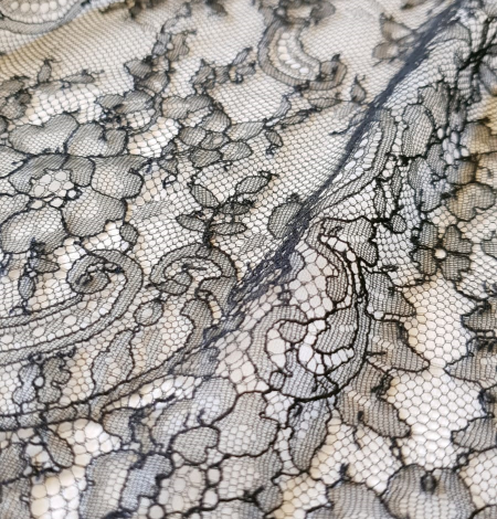 Dark navy lace fabric. Photo 5