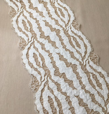 Elastic ivory lace trimming. Photo 7