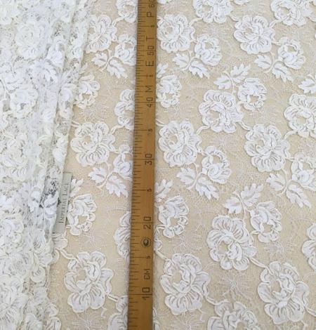 Ivory French lace fabric. Photo 8