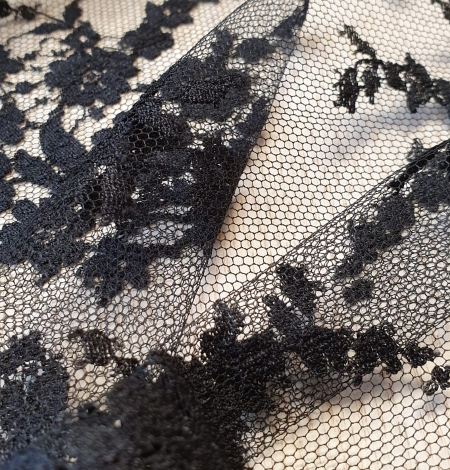 Black floral chantilly viscose lace fabric. Photo 6