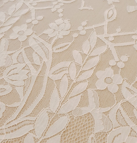 Ivory 100% polyester floral and bird pattern chantilly lace fabric. Photo 7