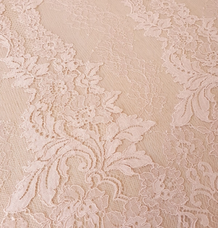 Pink guipure with chantilly lace fabric. Photo 7