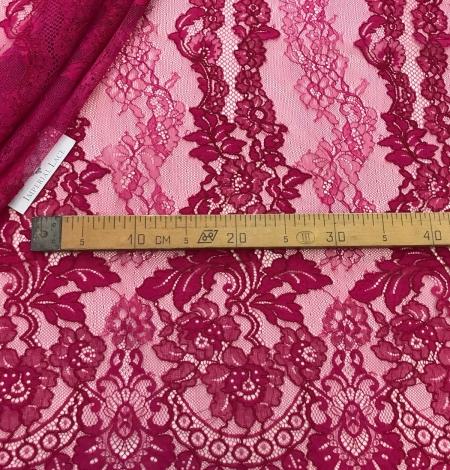 Fuchsia pink lace fabric. Photo 11