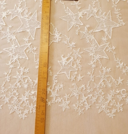 Ivory 100% polyester star pattern embroidery on tulle with beads and chantilly details lace fabric. Photo 9