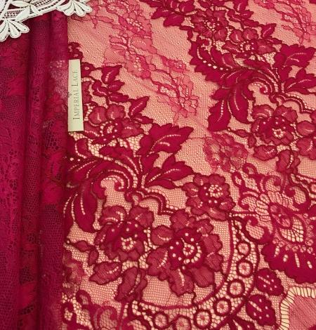 Fuchsia pink lace fabric. Photo 6