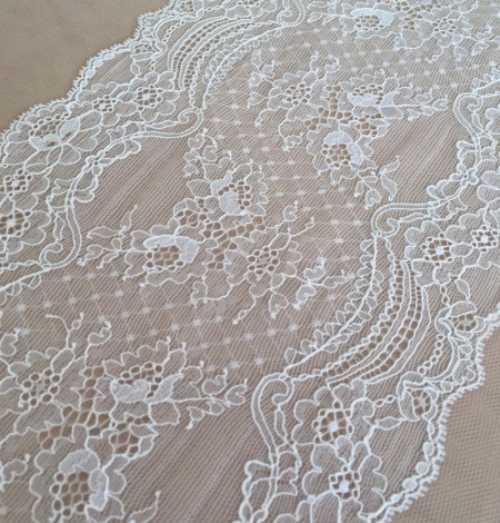 Ivory elastic lace trim. Photo 2