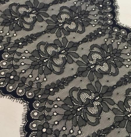 Black lace trim. Photo 1