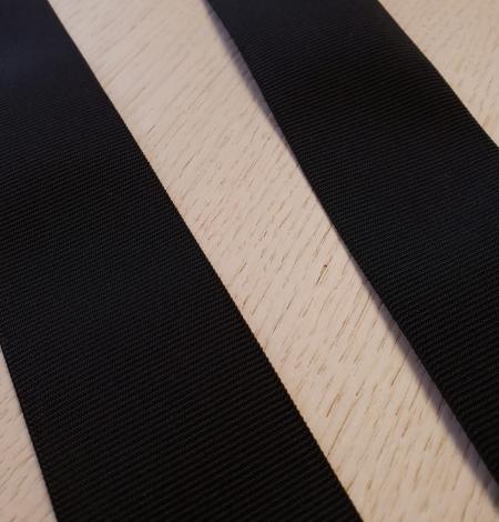 Black rubber ribbon . Photo 5