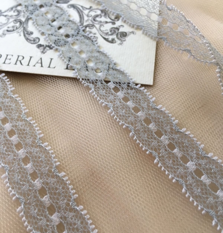 Grey Lace Trim. Photo 2