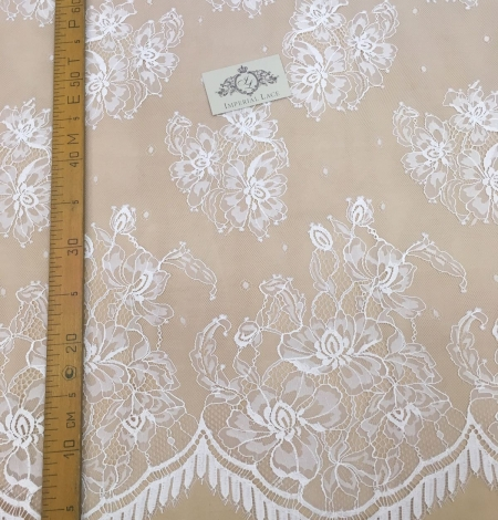 Off-white lace fabric . Photo 3