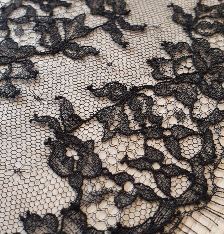 Black natural chantilly lace trimming by Jean Bracq. Photo 3