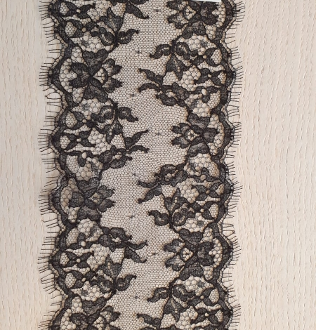 Black natural chantilly lace trimming by Jean Bracq. Photo 4