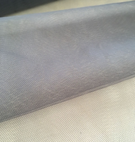 Grey tulle fabric. Photo 2