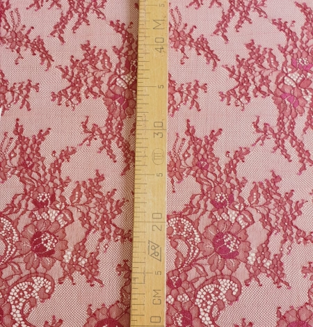 Bordo red chantilly lace fabric. Photo 5