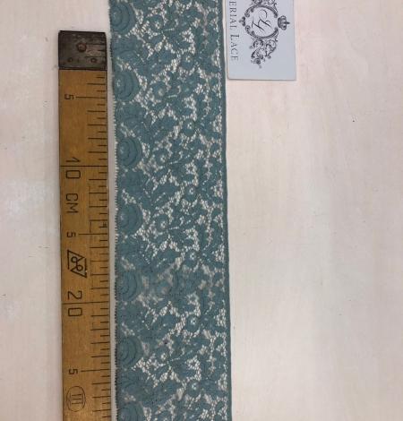 Blue lace trim. Photo 7
