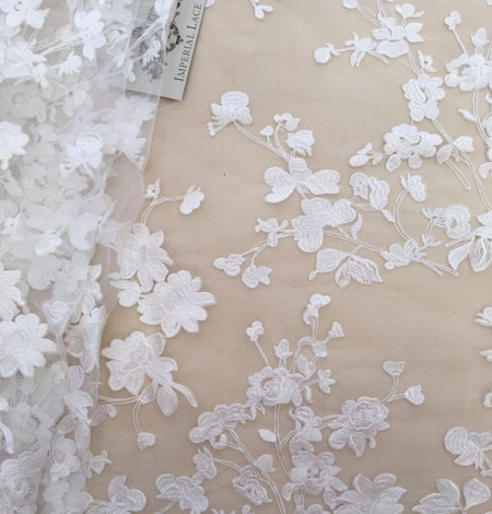 Bridal lace fabric with 3D flowers. Photo 2