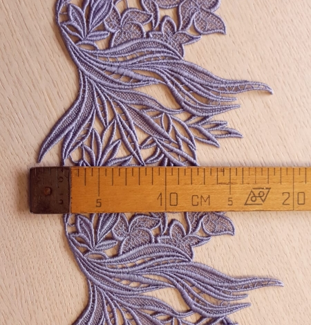 Lilac macrame lace trimming. Photo 5