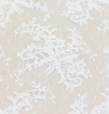 Ivory floral pattern guipure lace fabric. Photo 6