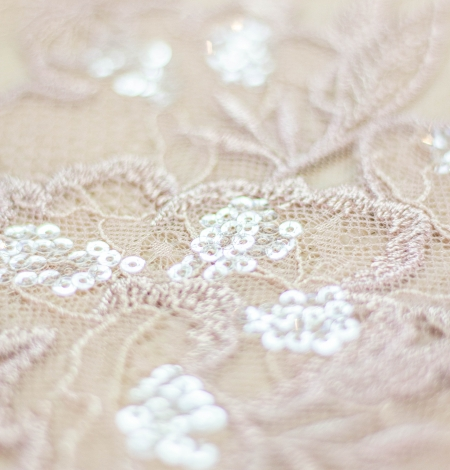 Old rose floral pattern embroidery with sequin on tulle fabric. Photo 4
