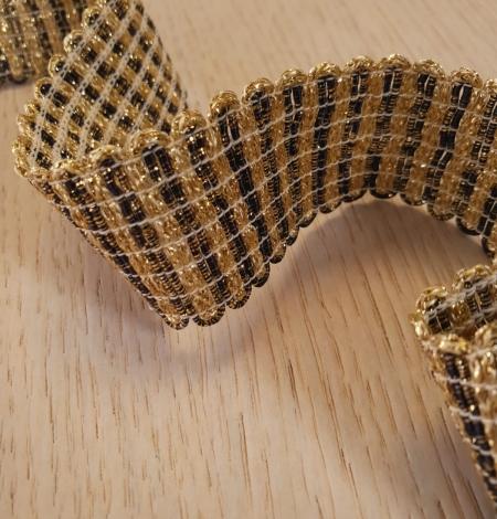 Gold and black elastic ribbon application. Photo 3