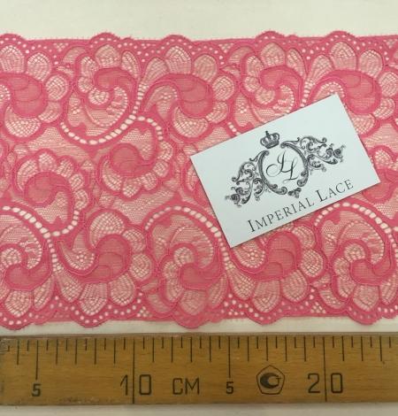 Raspberry Pink lace trim. Photo 5