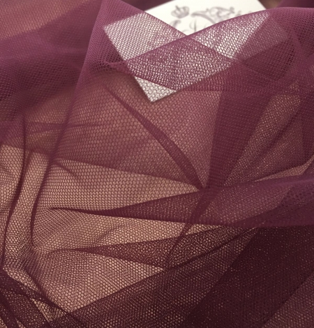 Dark lilac tulle fabric. Photo 5