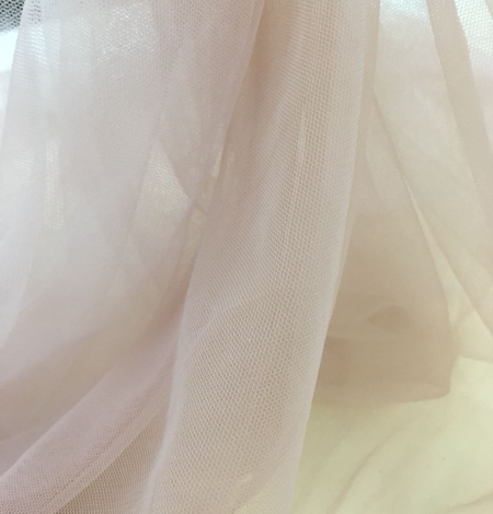 Old rose tulle fabric. Photo 5