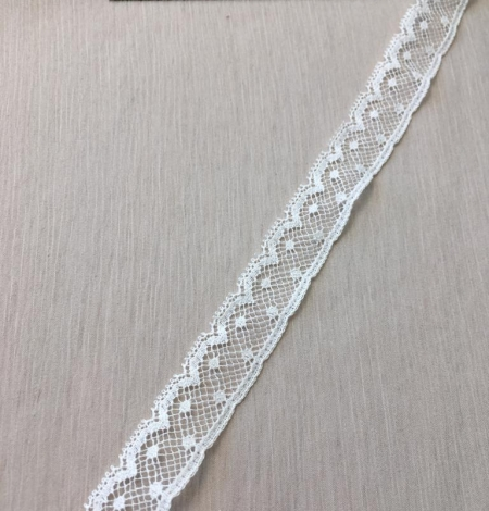 Ivory lace trimming. Photo 2