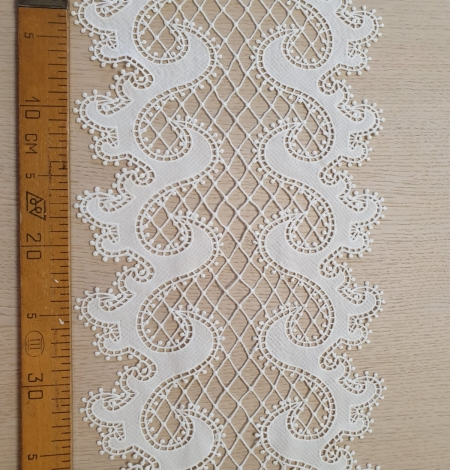 Off-white macrame lace trimming . Photo 8