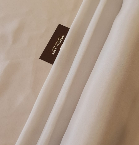 Greyish beige 100% silk lining fabric . Photo 3