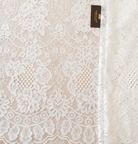 Ivory chantilly lace fabric. Photo 2