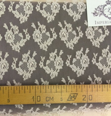 Nude lace fabric. Photo 4