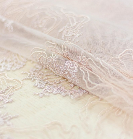 Old rose floral pattern embroidery with sequin on tulle fabric. Photo 3