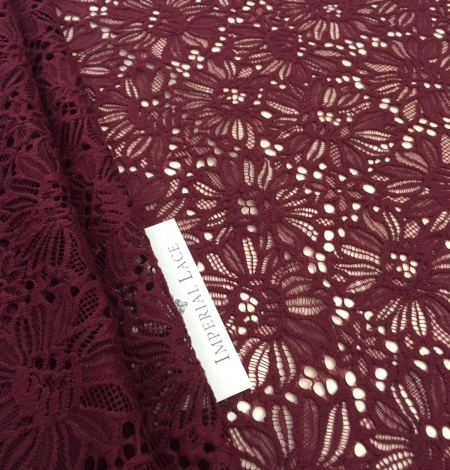 Wine red lace . Photo 4