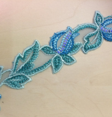 Blue with green lace trim. Photo 2