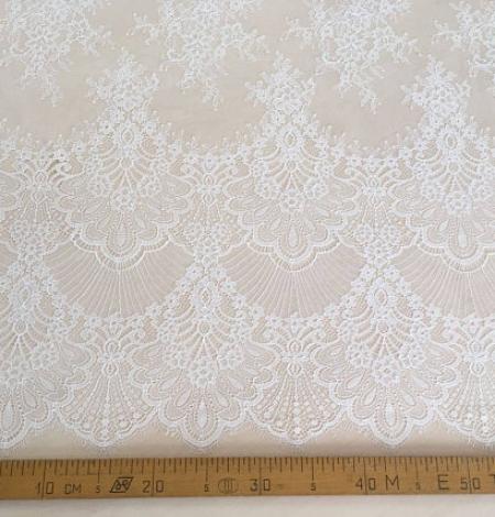 Ivory lace . Photo 4