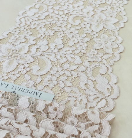 Nude Lace Trim. Photo 2