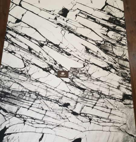 White and black marble pattern silk crepe chiffon fabric . Photo 7