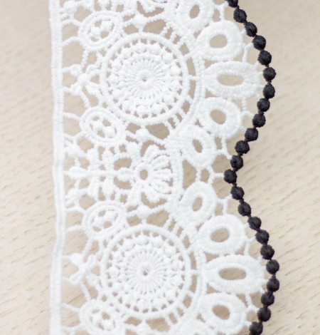 Ivory with black edge floral pattern macrame lace trim. Photo 3
