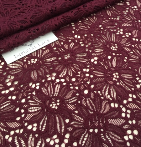Wine red lace . Photo 5