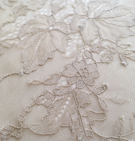 Beige lace fabric. Photo 5