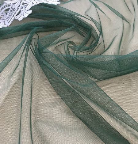 Green tulle fabric. Photo 3