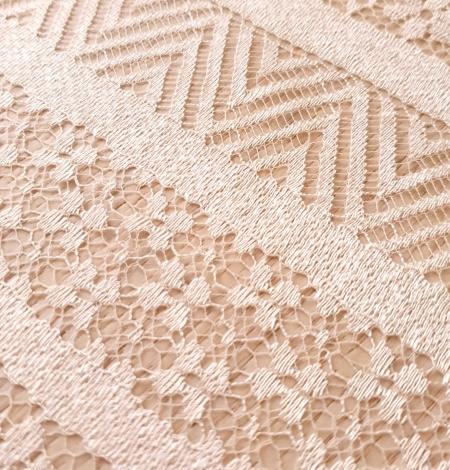 Ivory viscose chantilly lace fabric. Photo 4