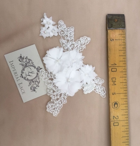 White with beaded and fabric flowers embroidery applique. Photo 3